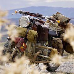 Backpacker bike  via @motorcircus_chris ・・・ #missionsouth #brownsugar #bmwmotorrad #adventure #charity #beemer #custombike #saddlebag #outlandmoto #scrambler #roadtrip #vintagebike #r80 #r90