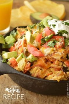 This Migas Recipe is simple and quick but will totally blow your breakfast mind. Eggs, onions, peppers, tomatoes and of course - cheese. Mexican Breakfast, Breakfast Menu, Breakfast Ideas, Mexican Food Recipes, Dinner Recipes, Ethnic Recipes, Taco Tuesday, Food Dishes, Meals