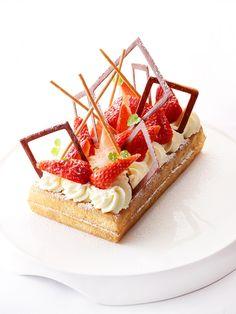Wafel met aardbeien http://njam.tv/recepten/wafel-met-aardbeien