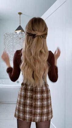 Hairdo For Long Hair, Cute Hairstyles For Medium Hair, Work Hairstyles, Trendy Hairstyles, Hair Extension Hairstyles, Hairdos, Updos, Hair Up Styles, Medium Hair Styles