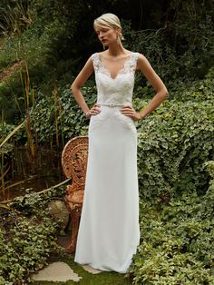 New at Uptown Bridal! Uptown Bridal & Boutique www.uptownbrides.com Beautiful 2016, BT16-26 front view