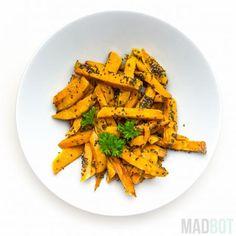 Skræl de søde kartofler. Skær dem i pomfritter og vend dem i olien. Slut af med at drys med chia frø.Bag dem i ovnen ved