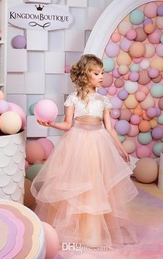 2016 New Fashion Two Piece Flower Girls Dresses Top Lace Cape Sleeve Blush Pink Tull Girls Pageant Gown First Communion Dresses Custom Cheap