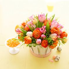 5 Beautiful Floral Arrangements for Easter - Tulips