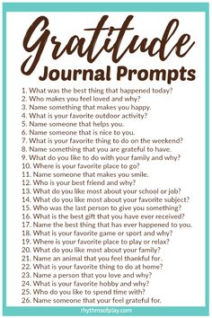 FREE Printable Gratitude Journal Prompts - Thankfulness and gratefulness can increase feelings of happiness and well-being. Use printable gratitude prompt template ideas to help kids and adults notice everything they have to be grateful for, and, learn to Gratitude Journal Prompts, Practice Gratitude, Attitude Of Gratitude Quotes, Journal Prompts For Kids, Gratitude Ideas, Gratitude Book, Journal Ideas, Journal Questions, Vie Motivation