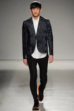 Jhon Galliano  Paris Fashion Week 2014.