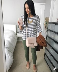 Olive pants outfit, olive green pants outfit, outfits with green pants, olive outfits Summer Work Outfits, Casual Work Outfits, Business Casual Outfits, Mode Outfits, Work Casual, Business Attire, Office Outfits, Office Attire, Outfit Work
