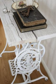 60 Ideas to recycle your old sewing machines in furniture diy with Vintage Upcycled sewing machine Recycled Interior Furniture DIY