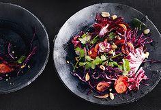 Rotkraut-Karottensalat mit Radicchio, Koriander und Nüssen Kraut, Kung Pao Chicken, Beef, Cooking, Healthy, Ethnic Recipes, Food, Cilantro, Easy Meals