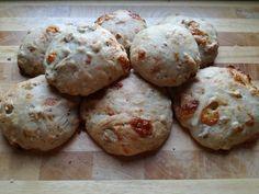 Pan Caciato detto anche Pan Nociato. Alla scoperta di un panino ricco di sapore e di ricordi.
