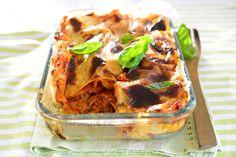 Lasagne on täydellistä viikonloppuruokaa. Tästä uuniruokien klassikosta on helppo tehdä erilaisia maukkaita muunnelmia.