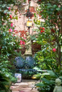 Courtyard Garden in Winter, Charleston, SC© Doug Hickok All Rights ReservedMore here… hue and eye