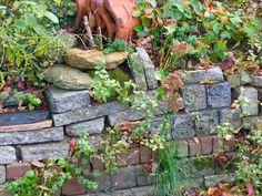 Over de heg: Stapelmuurtje Firewood, Stepping Stones, Outdoor Decor, Nature, Crafts, Gardens, Outdoors, Google, Wall