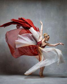 15 photos époustouflantes de danseurs en mouvement révèlent la grâce extraordinaire de leurs corps