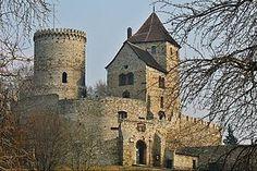 Die Liste von Burgen und Schlössern in Schlesien enthält Schlösser, Burgen und Ruinen in der historischen Region Schlesien.