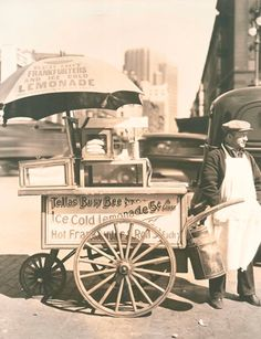 Manhattan Hot Dog Kart