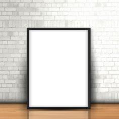 Retrato em branco encostado a uma parede de tijolo branca Vetor grátis
