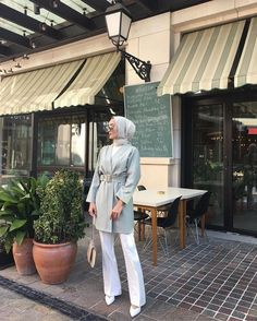 ✔ Office Outfits Women Casual Summer Source by dress hijab Modest Fashion Hijab, Modern Hijab Fashion, Street Hijab Fashion, Casual Hijab Outfit, Hijab Chic, Hijab Dress, Muslim Fashion, Ootd Hijab, Hijab Fashion Summer