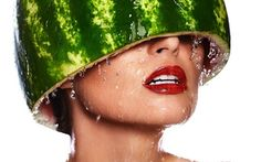 High fashion look.glamor closeup portrait of beautiful sexy young woman model with water-melon on head with water drops with red lips, with perfect wet clean skin , Running In The Heat, Creative Bag, Running Training, Training Plan, High Fashion, Womens Fashion, Historian, Female Models, Sexy