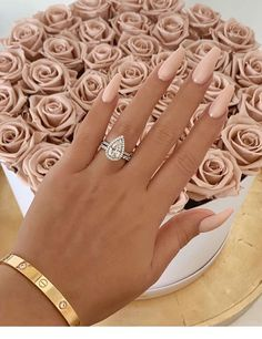 Amazing beige nails and roses - N . - Amazing beige nails and roses – Nails it ! Perfect Nails, Gorgeous Nails, Pretty Nails, Cute Simple Nails, Stunning Makeup, Perfect Pink, Fancy Nails, Pretty Makeup, Summer Acrylic Nails