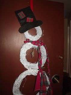 Snowman made out of grapevine wreaths...quick and easy!