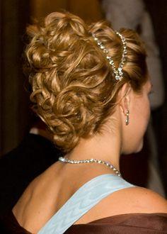 Madeleine's hair appreciation posts Tiara Hairstyles, Wedding Hairstyles, Princess Madeleine, Bridal Shower, Groom, Hair Beauty, Hair Styles, Royals, Instagram Posts