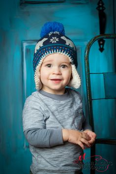 Children photography Children Photography, Winter Hats, Crochet Hats, Portraits, Fashion, Knitting Hats, Moda, Kid Photography, Head Shots