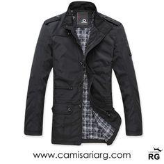 Casaco Masculino. Peça clássica e atemporal com modelagem estruturada.  Apenas R$169,90 com Frete Grátis!  www.camisariarg.com/casaco-slim-masculino-preto-43tpr.html