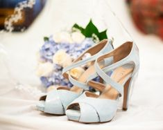 Zapatos azules de Lodi para novia. MOnísimos!! Beatrlz ALvaro novias. Alta Costura Madrid