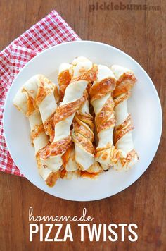 Homemade pizza twists - use this simple homemade pizza dough recipe to make these delicious pizza twist bread sticks