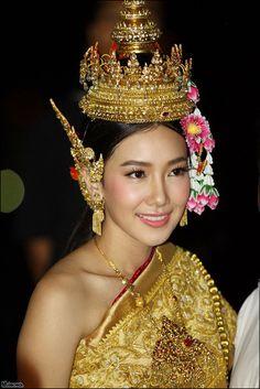 Thai (traditional) costume