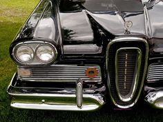 photos of vintage car grills 1958 Edsel Car Images, Car Photos, Car Pictures, Vintage Cars, Antique Cars, Edsel Ford, Cars Series, Hood Ornaments, Love Car