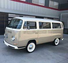 New Volkswagen Campers Van Campervan Camping 42 Ideas Volkswagen Transporter, Vw Bus T2, Bus Camper, Vw T1, Combi Vw T2, Combi Ww, Wolkswagen Van, Van Vw, Vw Classic