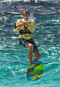 kite surfing in aruba