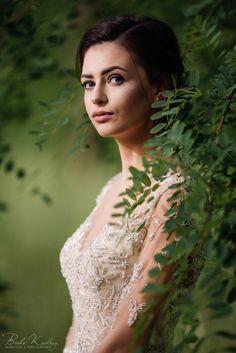 Fotografia ślubna Kraków Białe Kadry www.BialeKadry.pl   #zdjęciaślubne #fotografiaślubna #ślub #wesele #ślubnagłowie #kraków #małopolska #fotografślubny #fotograf #fotografslubny #fotografiaslubna #pannamloda #panmlody #paramłoda #sesjaplenerowa #sesjazdjęciowa #sesjapoślubie #spojrzenie #kobieta #200f2