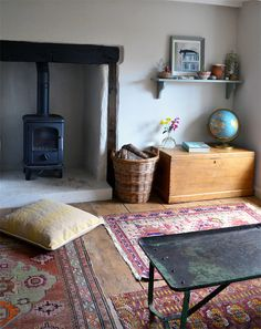some day, i will have a wood burning fire (stove, place, etc) happyhearthungryeyes: (via Andrew & Rebecca's Modern Vintage Country Home House Tour My Living Room, Home And Living, Living Spaces, Simple Living, Frugal Living, Le Logis, Vintage Country, Vintage Decor, Bedroom Vintage