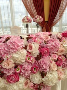 Amazing flower arrangement for wedding. @meijerr   Thanks a lot for Avalanche+ Sweet. Love it!!!!
