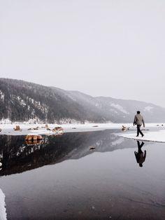 •Mountainous Reflections•