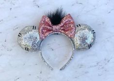 Mickey Mouse Ears Headband, Disney Mickey Ears, Minnie Mouse, Disney Diy, Disney Crafts, Disney Cruise, Diy Headband, Ear Headbands, Disneyland Ears