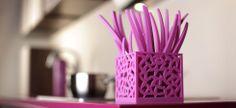 Sztućce Mia to estetyczny i efektowny dodatek, który epatuje na stole radością i nowoczesnością. Zestaw świetnie nadaje się do codziennego użytku, ale też z pewnością miło zaskoczy Twoich gości podczas uroczystej kolacji.