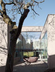 Haus - Ein gesamtheitliches Gestaltungskonzept in Linz Arch House, Architecture Design, Concrete, Interior Design, Plants, Linz, House, Dinning Table Set, Architecture