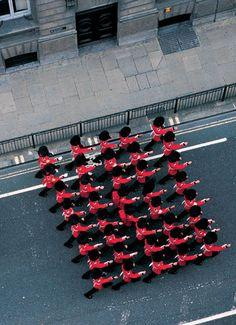 Francis Alÿs, 21 Portman Square, London W1 (from the series 'Seven Walks'), 2005