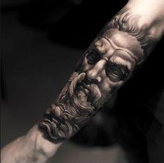 Descubre el significado de los tatuajes de Dioses griegos en http://www.mundotatuajes.info/tatuajes-de-dioses-griegos/