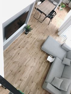 無機質の中にも柔らかみのあるキッチン。k___s.4693___さんのキッチンを探索!【Panasonic(パナソニック)ラクシーナ モールテックス】 | ムクリ[mukuri] Home And Living, Solid Wood, Tile Floor, Flooring, Bedroom, Interior, Kitchen, House, Design