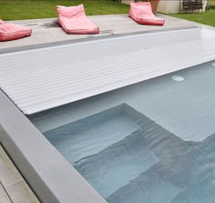 Volet immergé Rollinside gris Swimming Pool Designs, Swimming Pools, Automatic Pool Cover, Living Pool, Leisure Pools, Villa Pool, Pool Lounge, Modern Pools, Pool Accessories