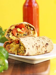 This Southwest Vegan Breakfast Burrito is loaded with protein and vegetables and filled with flavor for a healthy, delicious breakfast. Vegan Mexican Recipes, Raw Food Recipes, Vegetarian Recipes, Soup Recipes, Diet Recipes, Tofu, Vegan Meal Plans, Vegan Meal Prep, Vegetarian Breakfast