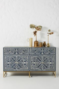 For stunning bone inlay pieces look no further than Zohi Interiors. Take this beautiful Bone Inlay Scroll Vine Buffet in Blue as an example. Shabby Chic Buffet, Vintage Buffet, Drum Side Table, Round Dining Table, Side Tables, Furniture Makeover, Diy Furniture, Furniture Design, Plywood Furniture