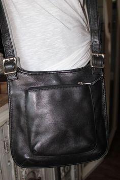 Fossil Black Leather Flat Cross Body Handbag #Fossil #MessengerCrossBody