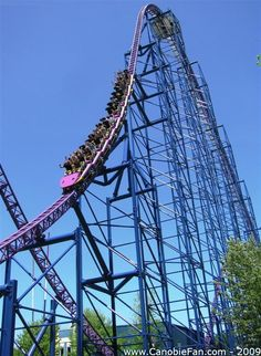 Bizarro, Six Flags New England. Agawam, MA. (Did they really have to change it? Why fix something that is not broken?!?)