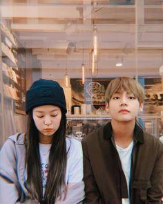 𝘳𝘢𝘪𝘯, 𝘤𝘰𝘧𝘧𝘦𝘦 𝘢𝘯𝘥 𝘺𝘰𝘶 ☕ #taehyungjennie #tatanini #taennie #greenheartsfortaennie Korean Couple, Best Couple, Korean Girl, Swag Couples, Kpop Couples, Bts Aesthetic Pictures, Couple Aesthetic, Kim Jennie, Jimin Jungkook